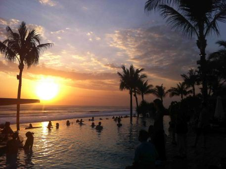 sunset_potatohead_beach_club_bali